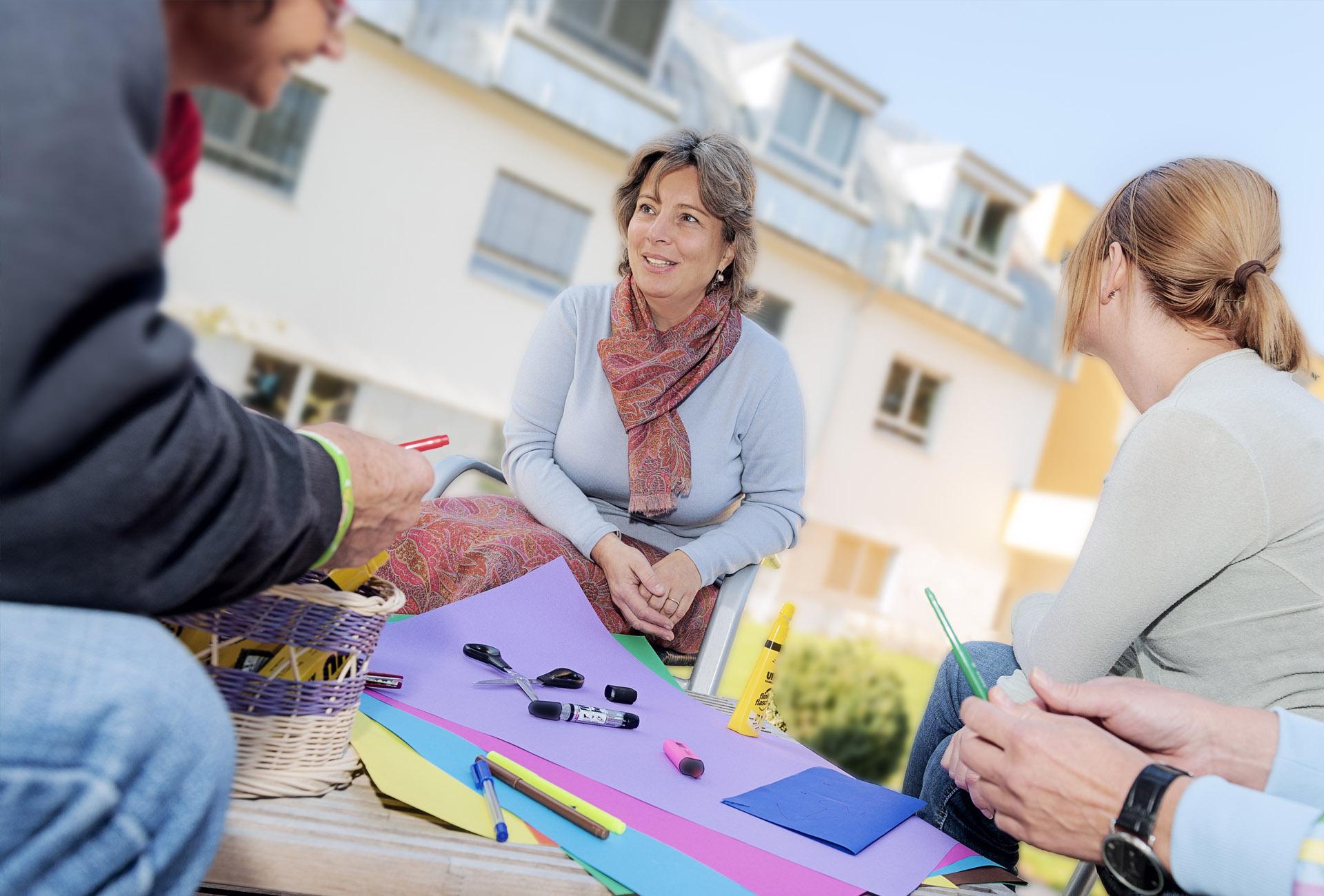 Gruppenpsychotherapie im Freien - © Reinhard Podolsky/mediadesign